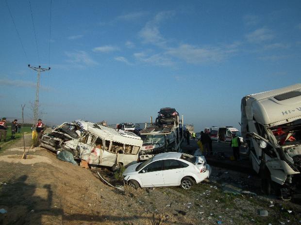Konya'da zincirleme facia: 9 ölü 12