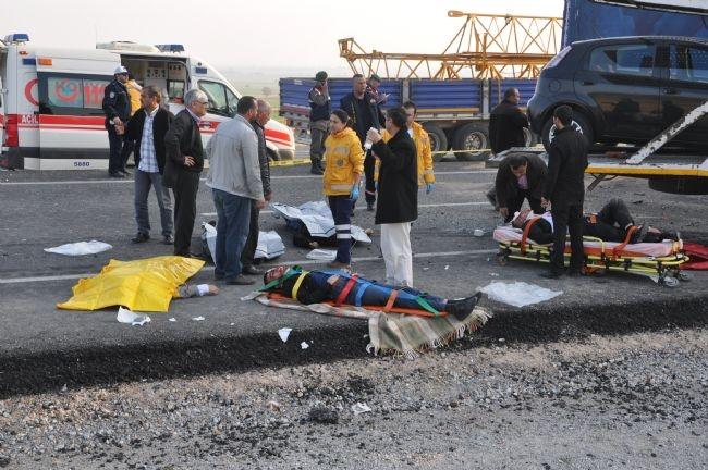 Konya'da zincirleme facia: 9 ölü 25