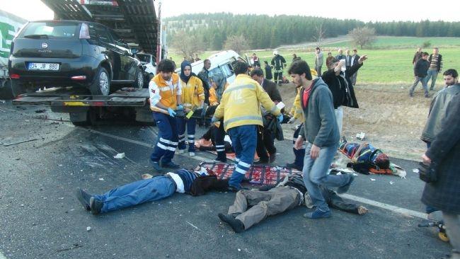 Konya'da zincirleme facia: 9 ölü 40