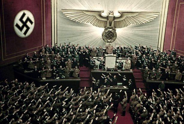 Hitler Almanya'sı 13