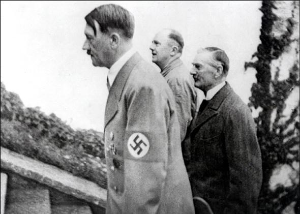 Hitler Almanya'sı 24