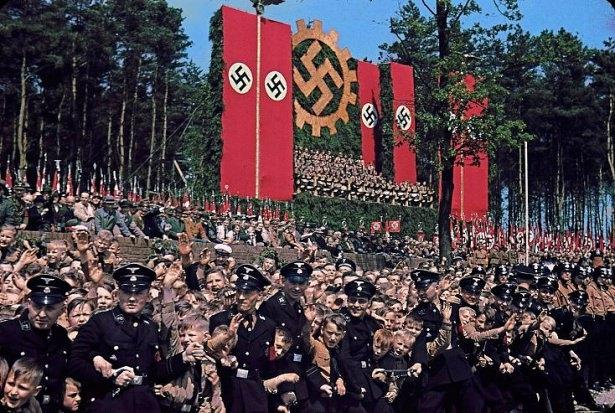 Hitler Almanya'sı 4