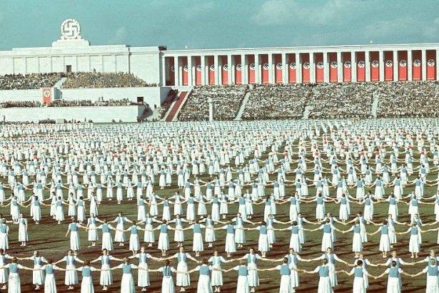 Hitler Almanya'sı 8
