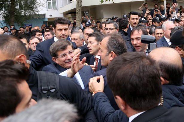 Başbakan Davutoğlu çocuklara harçlık dağıttı 14