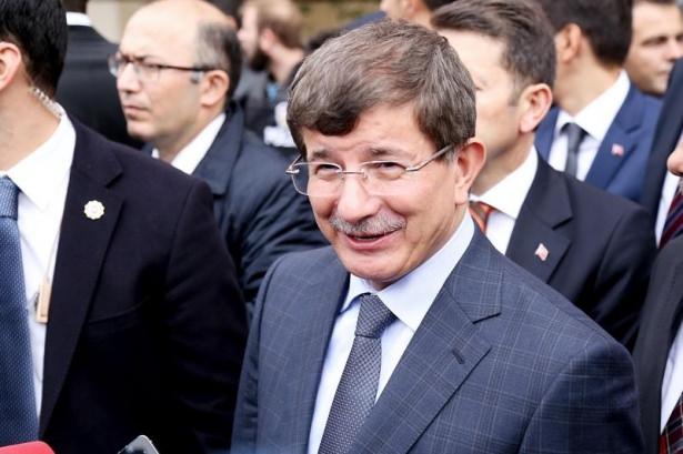 Başbakan Davutoğlu çocuklara harçlık dağıttı 17