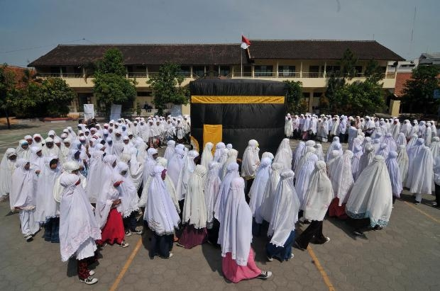 Endonezyalı ortaokul öğrencilerine Hac eğitimi 15