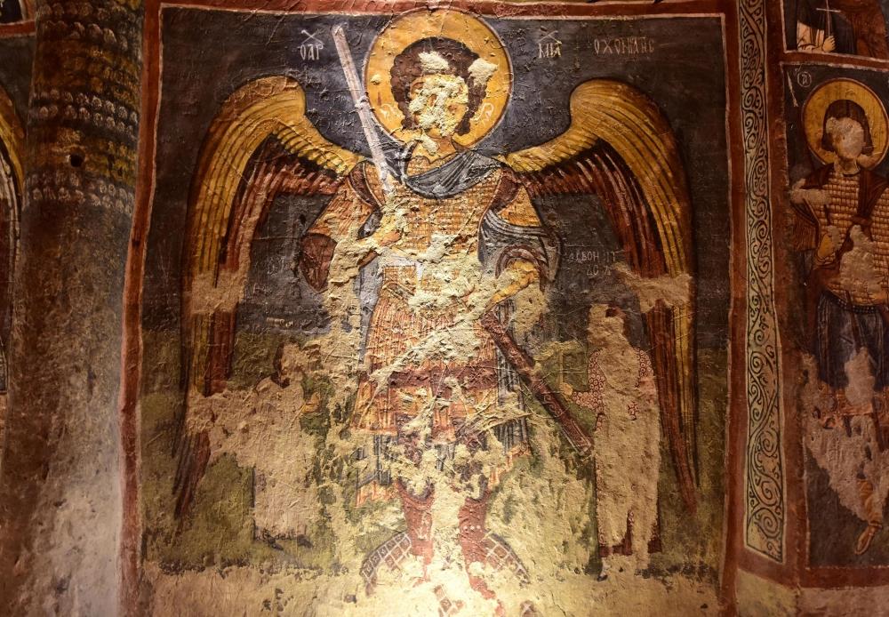 Bin yıllık freskleri turistlerin ilgisini çekiyor 13