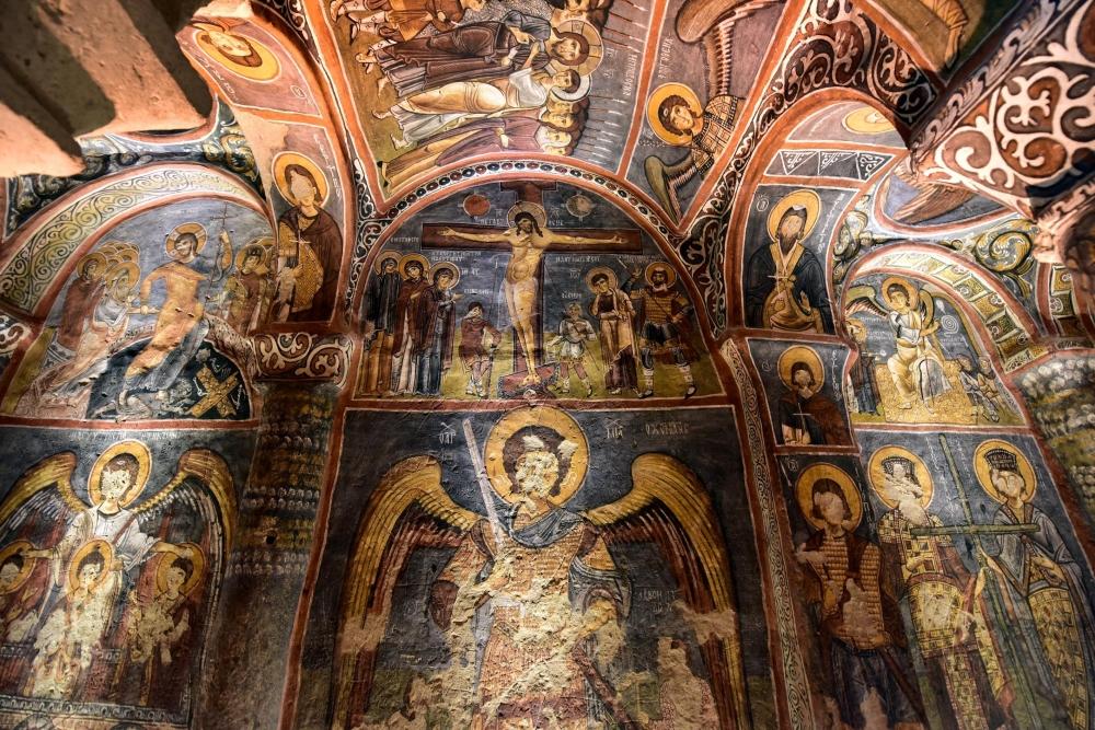 Bin yıllık freskleri turistlerin ilgisini çekiyor 14