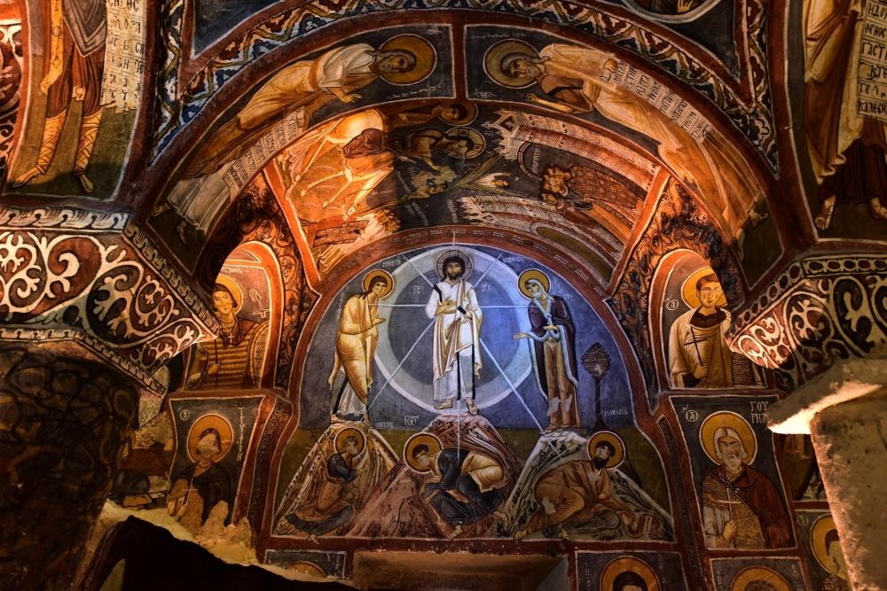 Bin yıllık freskleri turistlerin ilgisini çekiyor 16
