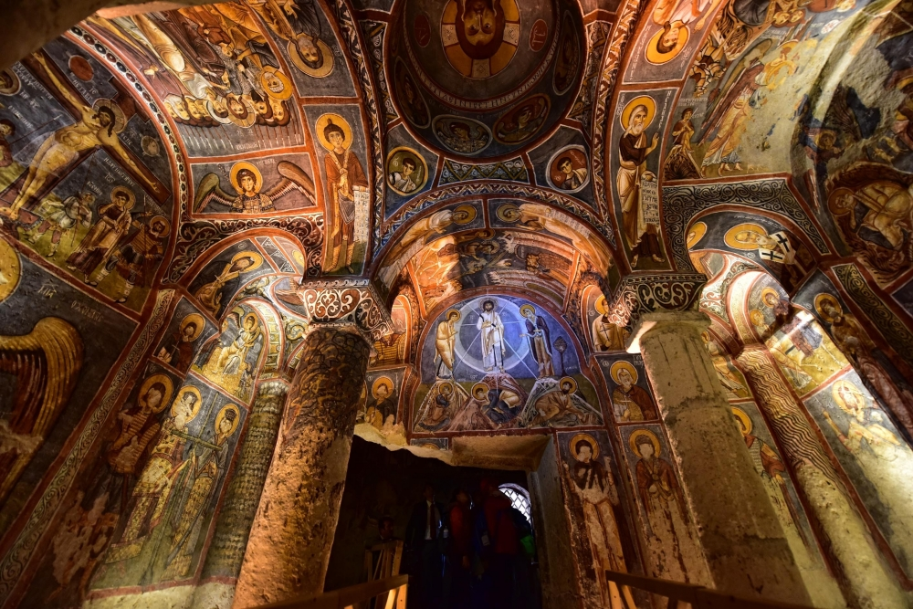 Bin yıllık freskleri turistlerin ilgisini çekiyor 19