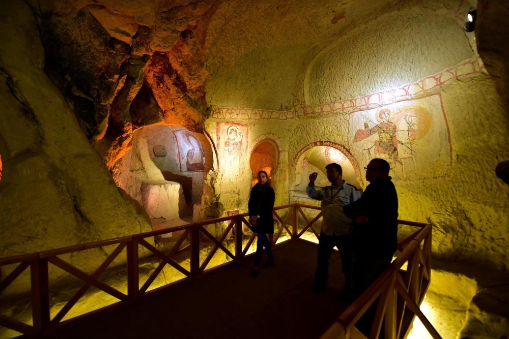 Bin yıllık freskleri turistlerin ilgisini çekiyor 2