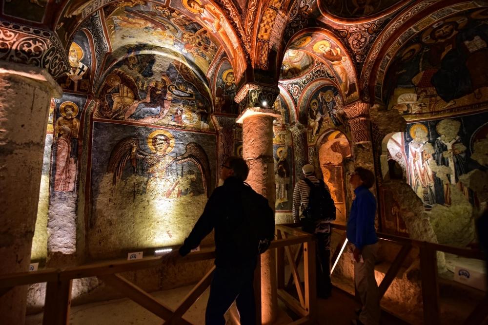 Bin yıllık freskleri turistlerin ilgisini çekiyor 21