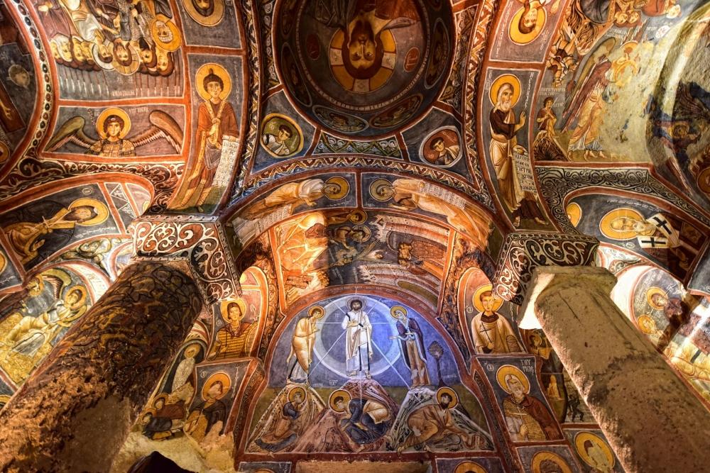 Bin yıllık freskleri turistlerin ilgisini çekiyor 22