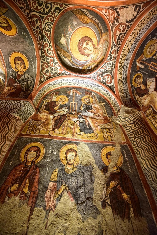 Bin yıllık freskleri turistlerin ilgisini çekiyor 28