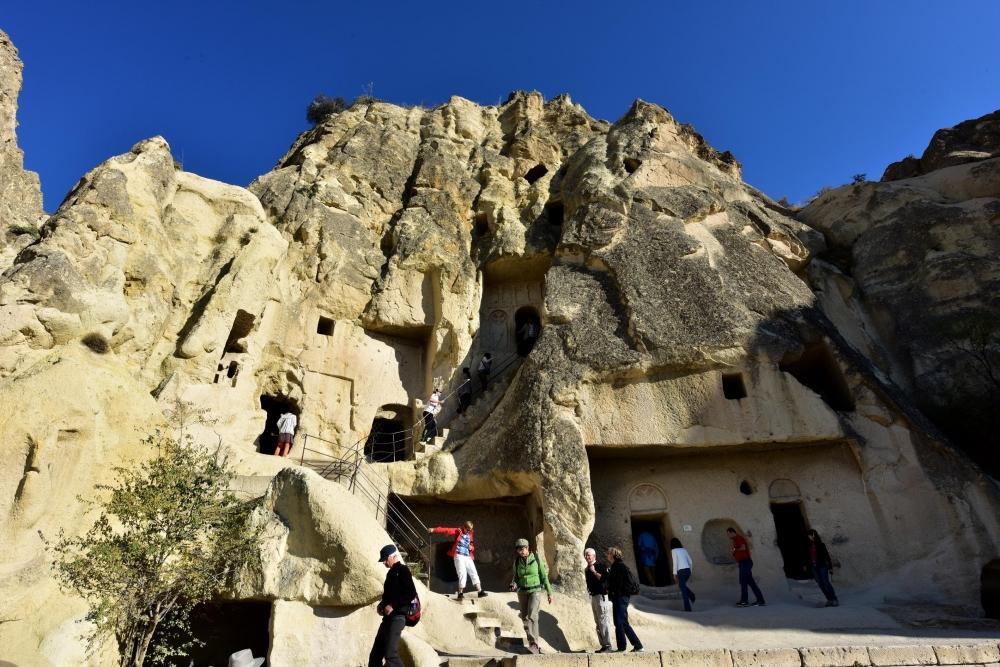 Bin yıllık freskleri turistlerin ilgisini çekiyor 3