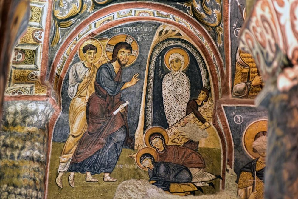 Bin yıllık freskleri turistlerin ilgisini çekiyor 33