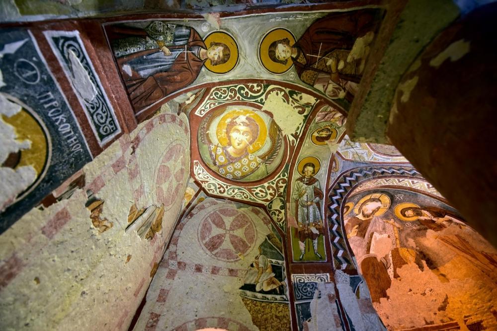 Bin yıllık freskleri turistlerin ilgisini çekiyor 5