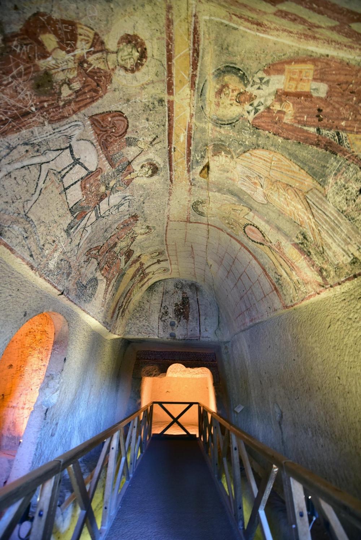 Bin yıllık freskleri turistlerin ilgisini çekiyor 7