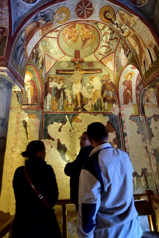 Bin yıllık freskleri turistlerin ilgisini çekiyor 8