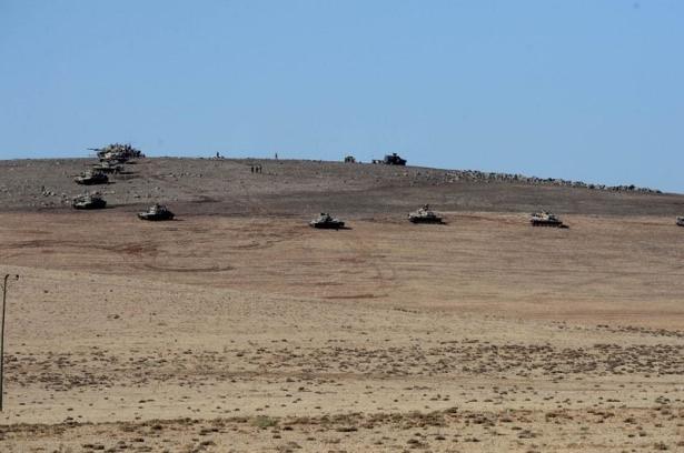 Türkiye'den Suriye sınırına tank duvarı 10