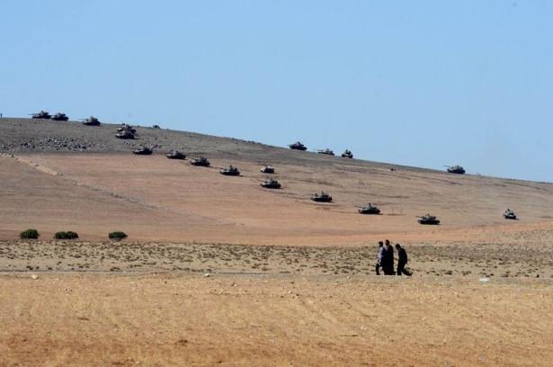 Türkiye'den Suriye sınırına tank duvarı 12