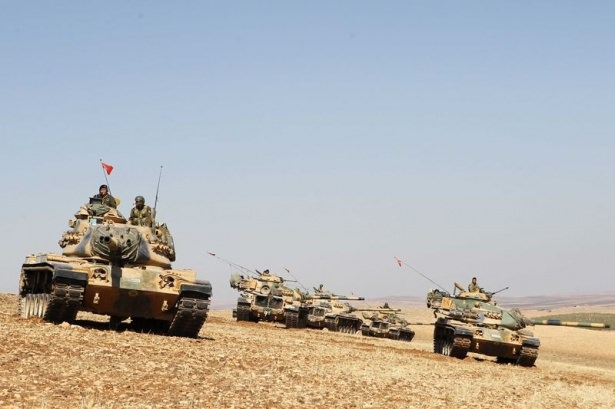 Türkiye'den Suriye sınırına tank duvarı 13
