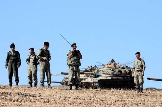 Türkiye'den Suriye sınırına tank duvarı 17