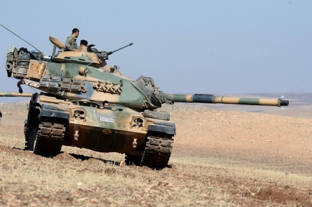 Türkiye'den Suriye sınırına tank duvarı 18