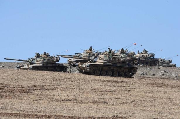 Türkiye'den Suriye sınırına tank duvarı 21