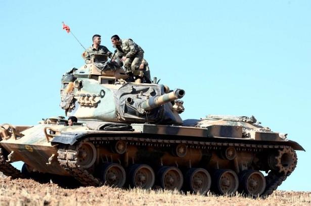 Türkiye'den Suriye sınırına tank duvarı 23