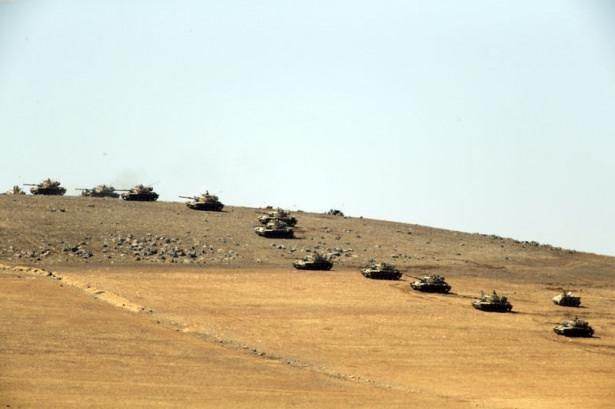 Türkiye'den Suriye sınırına tank duvarı 24
