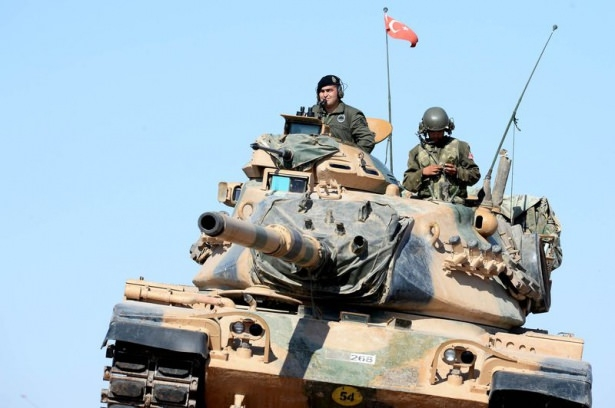 Türkiye'den Suriye sınırına tank duvarı 27