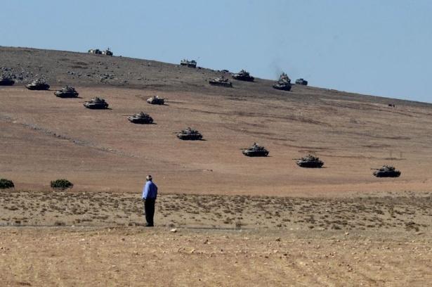 Türkiye'den Suriye sınırına tank duvarı 32