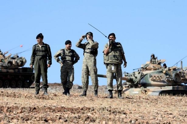 Türkiye'den Suriye sınırına tank duvarı 37