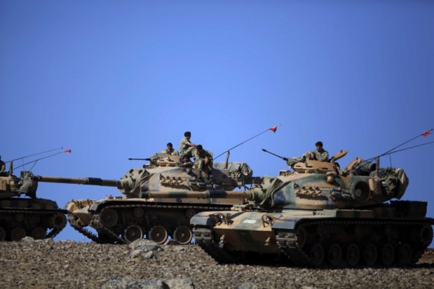 Türkiye'den Suriye sınırına tank duvarı 7