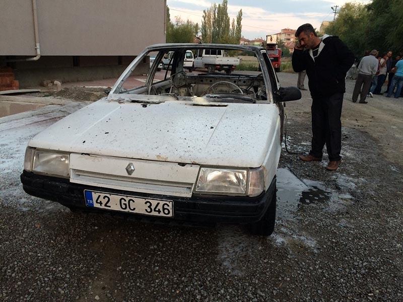 Kulu'da park halindeki otomobil yandı 5