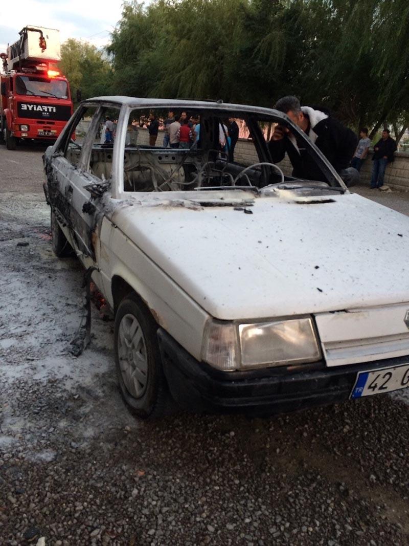 Kulu'da park halindeki otomobil yandı 6