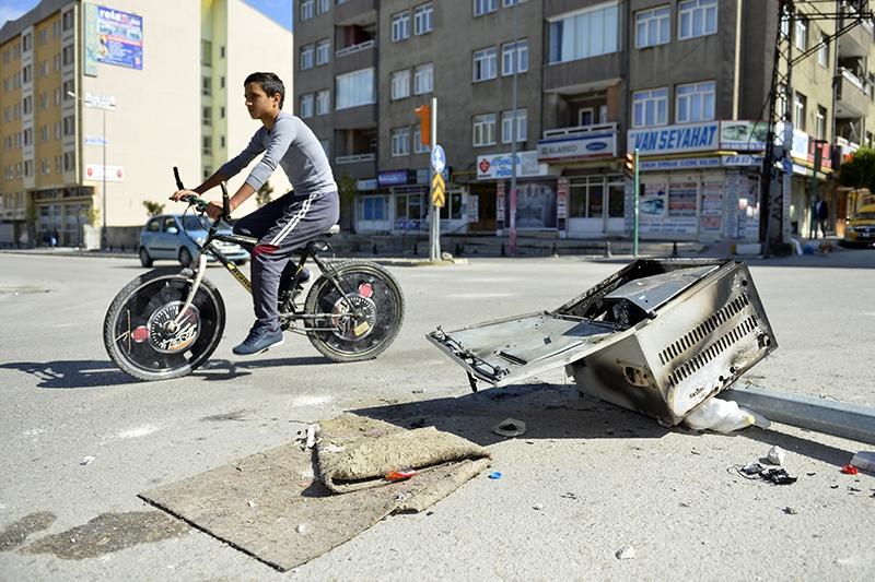 IŞİD bahanesiyle yaktılar yıktılar 163