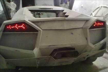 Lamborghini görünümlü Mitsubishi 41