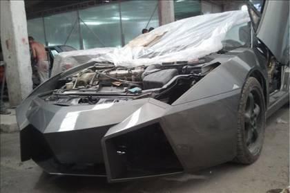 Lamborghini görünümlü Mitsubishi 46