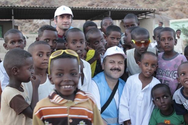 Afrika'nın en büyüğü Sudan'da bayram 27