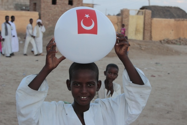 Afrika'nın en büyüğü Sudan'da bayram 28