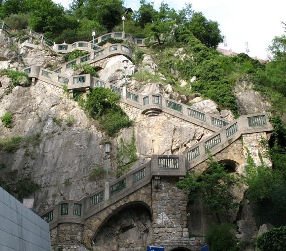 Dünyanın en ilginç ve muhteşem merdivenleri 25