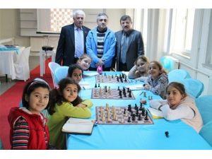 Yalova'da Organize Edilen Satranç Milli Takım Kampı Sona Erdi