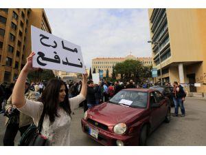 Lübnan'da hükümet karşıtı protesto
