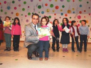 Mehmet Özdemir İlkokulu'nda okuma yazma töreni