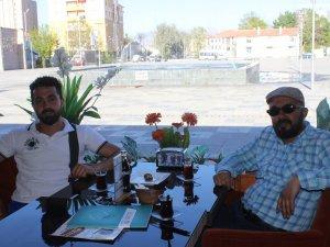 Mithat Korkusuz ile Rafet Anıt Cafe'de