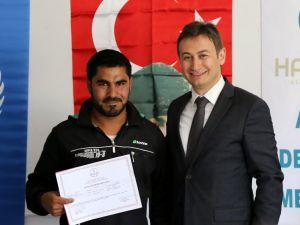 """""""Türkiye'nin Suriyelilere çalışma izni vermesi dünyaya örnek"""""""