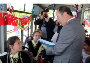 """""""Çocuklara özel şehir içi minibüs servisi"""""""