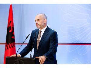 """Arnavutluk Başbakanı Rama'dan """"silahlanma"""" tepkisi"""